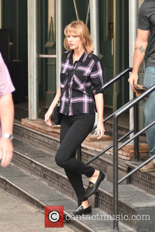 Taylor Swift leaving her Tribeca apartment