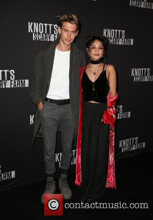 Austin Butler and Vanessa Hudgens 5