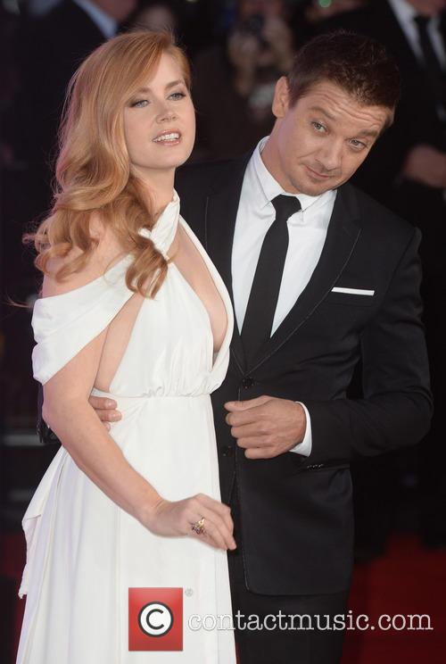 Jeremy Renner and Amy Adams 5
