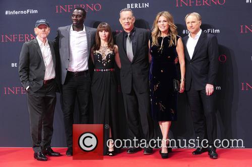 Ron Howard, Omar Sy, Felicity Jones, Tom Hanks, Rita Wilson and Dan Brown 6