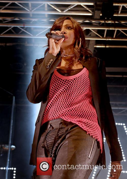 Shaznay Lewis and All Saints 3