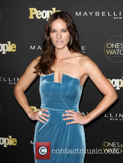 Kelly Overton 5