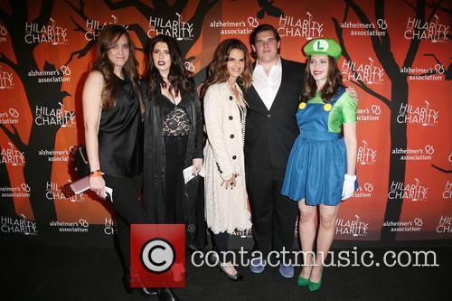 Katherine Schwarzenegger, Christina Schwarzenegger, Christopher Schwarzenegger, Maria Shriver and Lauren Miller 11
