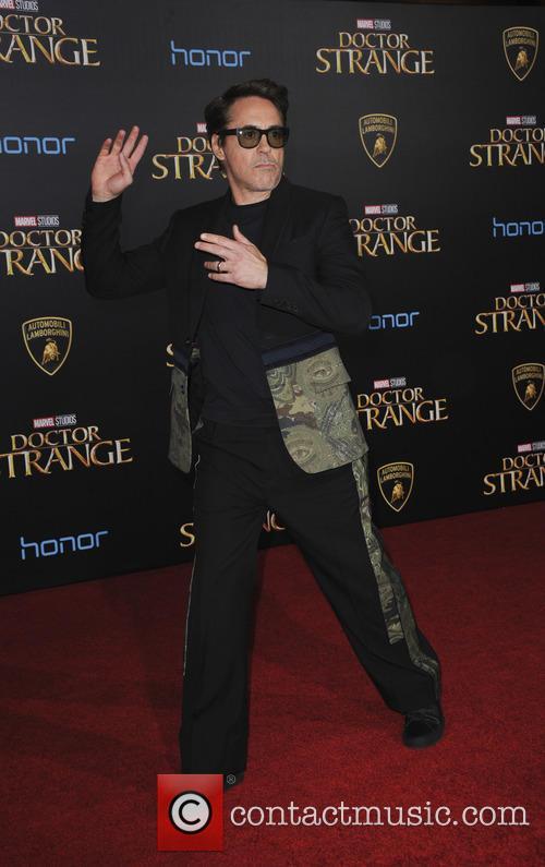Robert Downey Jr. 6
