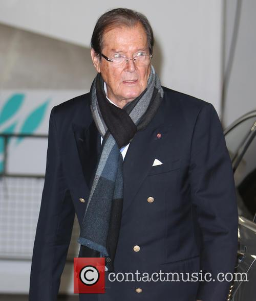 Roger Moore 8