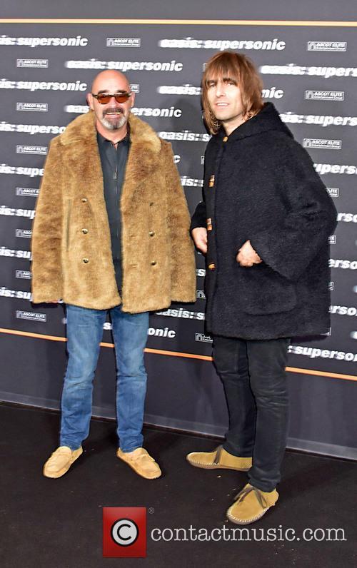 Paul Bonehead Arthurs and Liam Gallagher 2