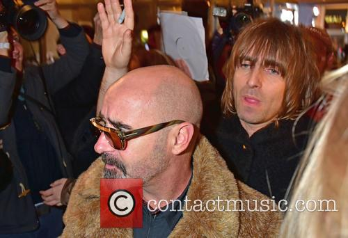 Paul Bonehead Arthurs and Liam Gallagher 4