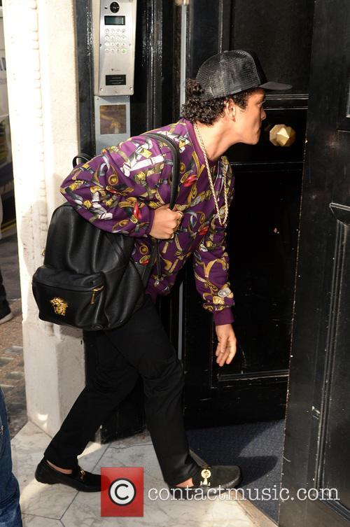 Bruno Mars 4