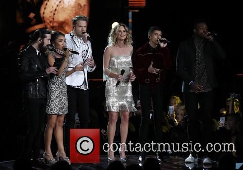 Jennifer Nettles and Pentatonix
