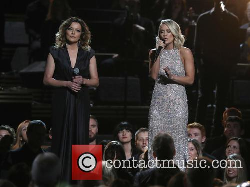 Martina Mcbride and Carrie Underwood 1