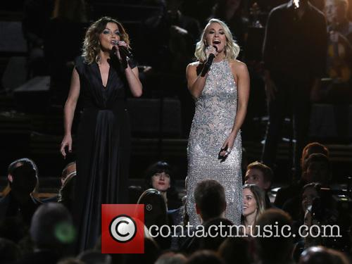 Martina Mcbride and Carrie Underwood 2