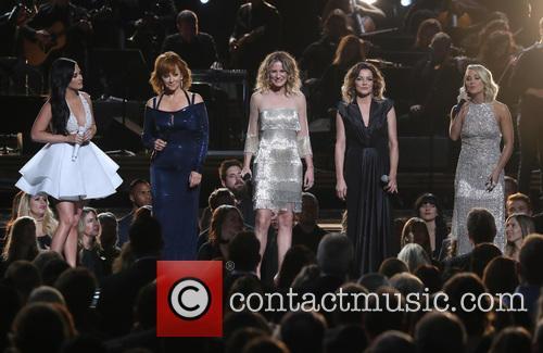 Kacey Musgraves, Reba Mcentire, Jennifer Nettles, Martina Mcbride and Carrie Underwood 5