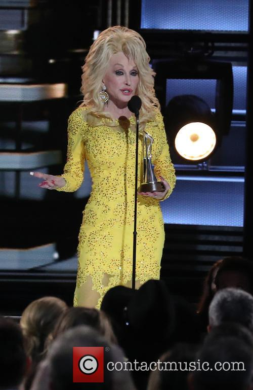 Dolly Parton Sets Up Fund For Tennessee Fires Victims