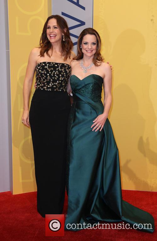 Jennifer Garner and Kimberly Williams-paisley 1