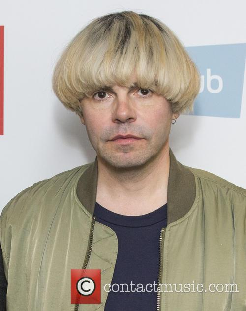 tim burgess solo singles The bbc artist page for tim burgess find the best clips, watch programmes, catch up on the news, and read the latest tim burgess interviews.