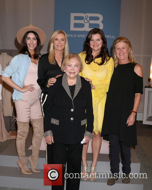 Jacqueline Macinnes Wood, Katherine Kelly Lang, Lee Bell, Heather Tom and Alley Mills 5