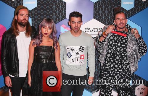 Dnce, Joe Jonas, Jack Lawless, Jinjoo Lee and Cole Whittle 5
