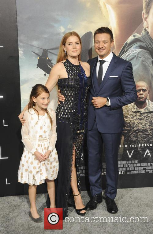 Amy Adams, Abigail Pniowsky and Jeremy Renner 1