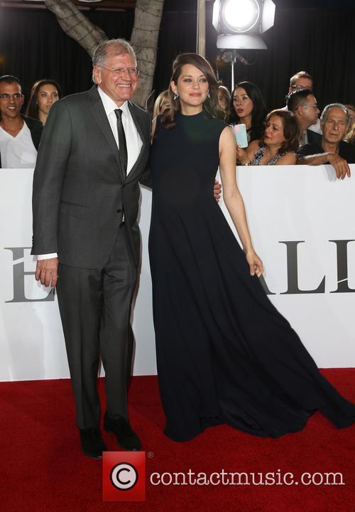 Robert Zemeckis and Marion Cotillard 4
