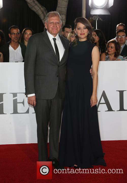 Robert Zemeckis and Marion Cotillard 7
