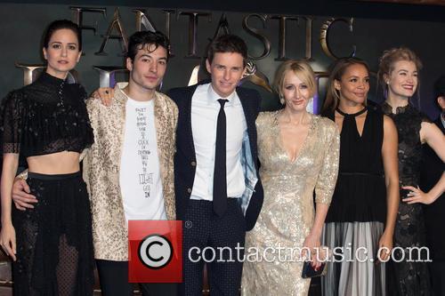 J.k. Rowling, Ezra Miller, Eddie Redmayne, Alison Sudol, Carmen Ejogo, Katherine Waterston and Ben Fogle 8