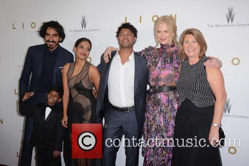Dev Patel, Sunny Pawar, Saroo Brierley, Nicole Kidman and Sue Brierley 5