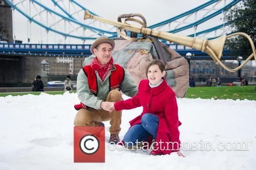 Mark Rylance and Ruby Barnhill 7