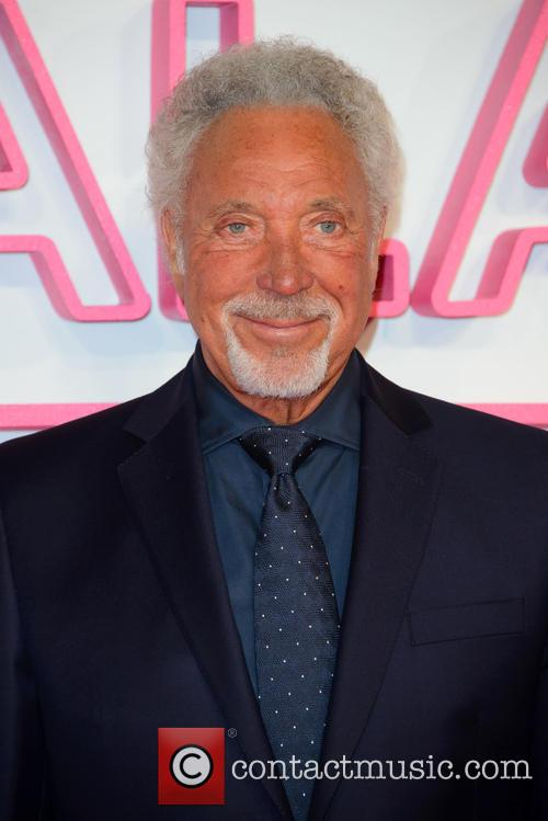 Tom Jones Channels Jerry Lee Lewis With Impromptu Performance On 'The Voice UK'