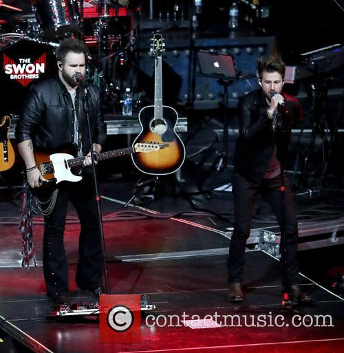 Carrie Underwood, The Swon Brothers and Las Vegas 2