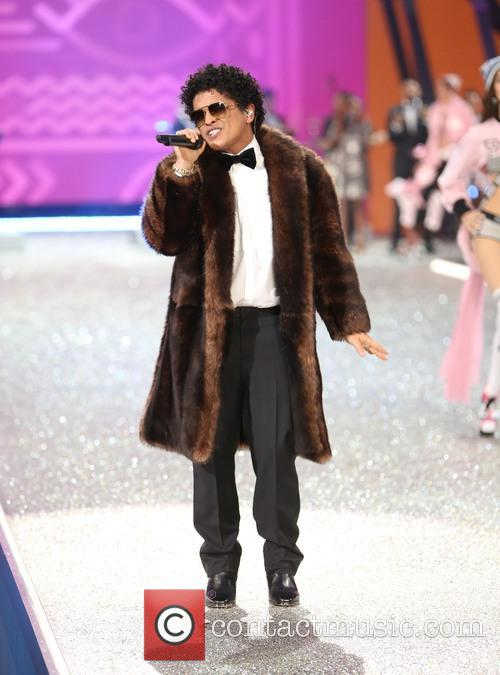 Bruno Mars performing at the Victoria's Secret Fashion Show 2016