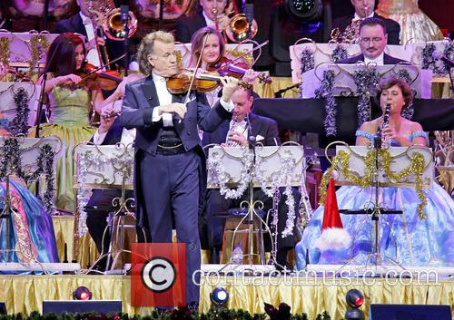 Andre Rieu and Johann Strauss Orchestra 9