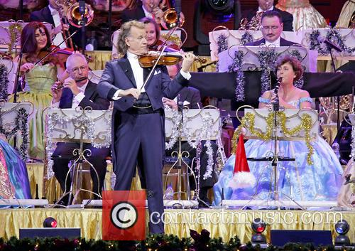 Andre Rieu and Johann Strauss Orchestra 10