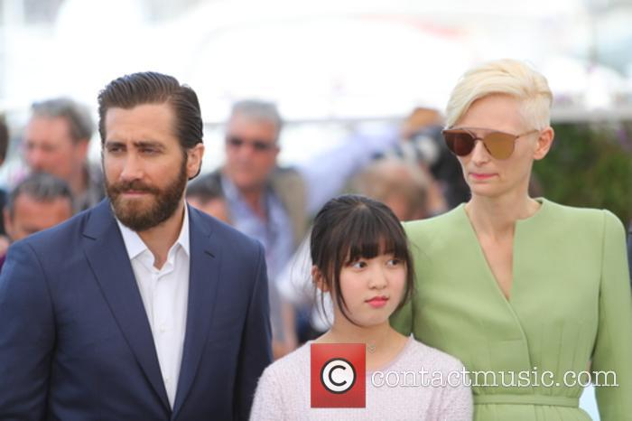 Jake Gyllenhaal, Tilda Swinton and Seo-hyeon Ahn 1