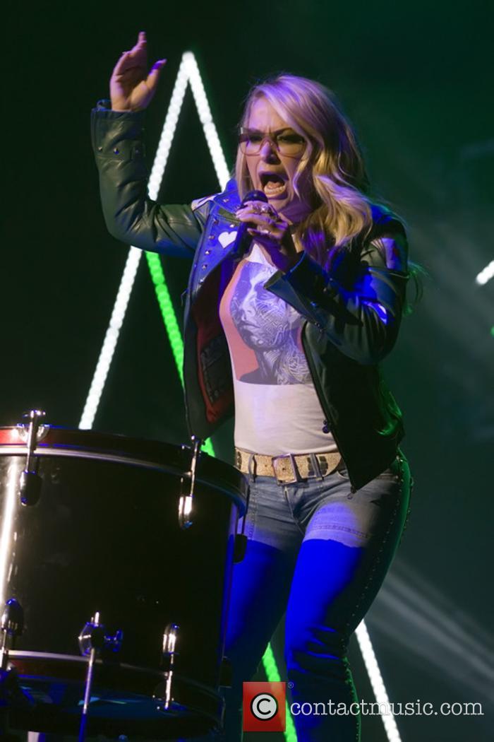 Anastacia performs live