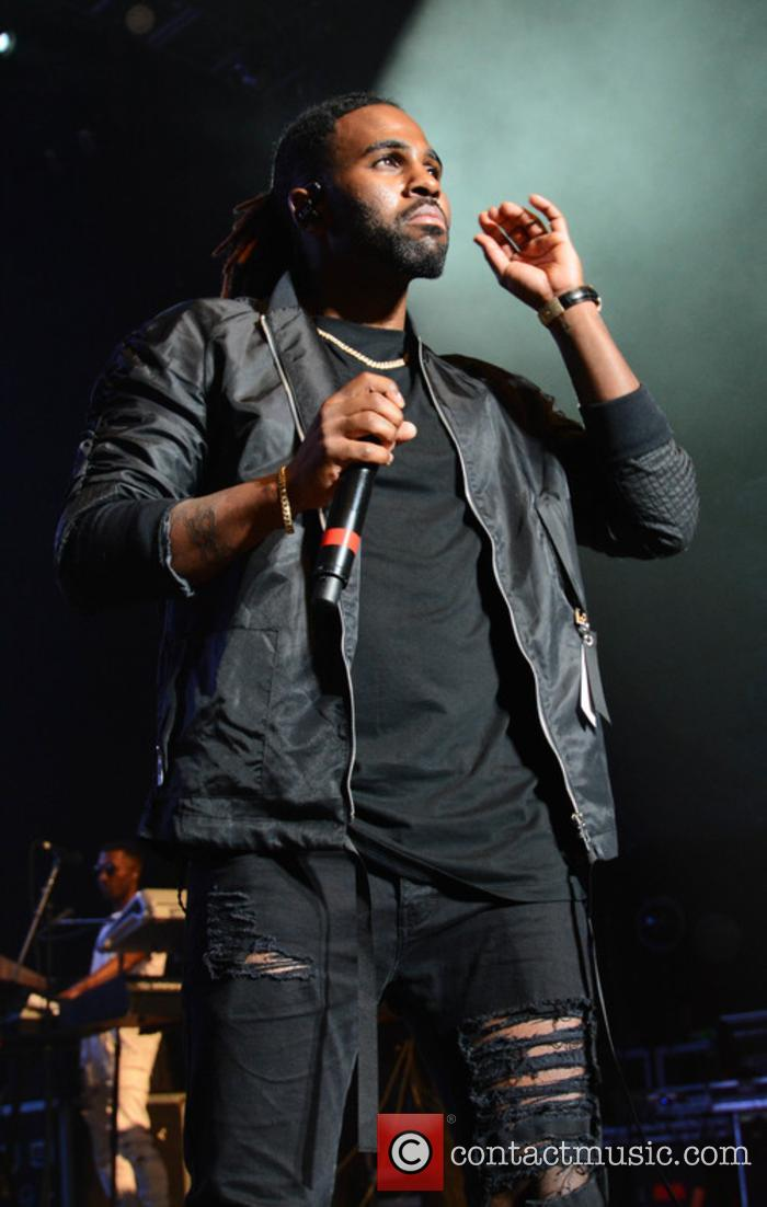 Jason Derulo performing live