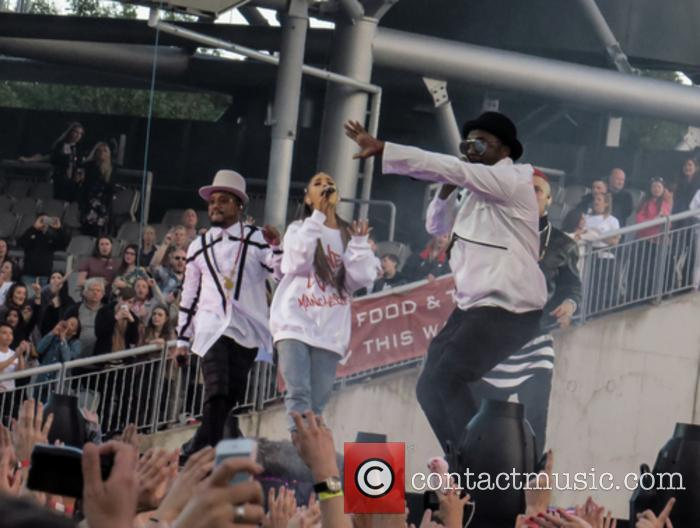 Ariana Grande, Black Eyed Peas, Will.i.am and Apl.de.ap