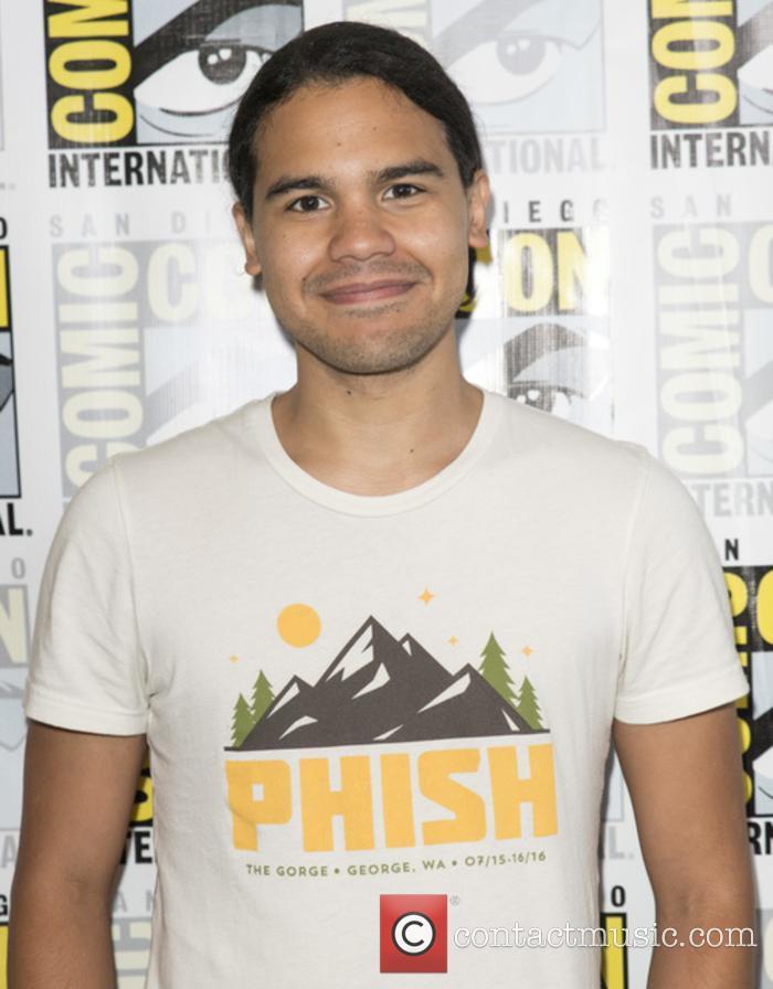 Carlos Valdes makes his return as Cisco in 'The Flash' season 4
