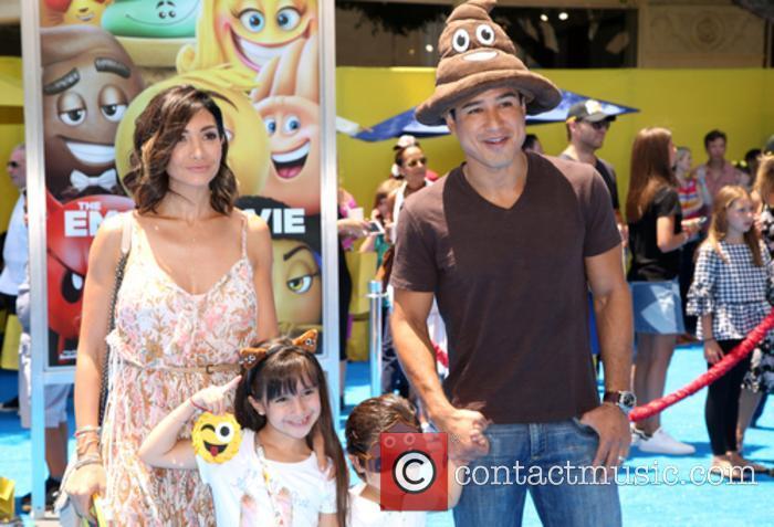 Mario Lopez, Courtney Mazza and Family