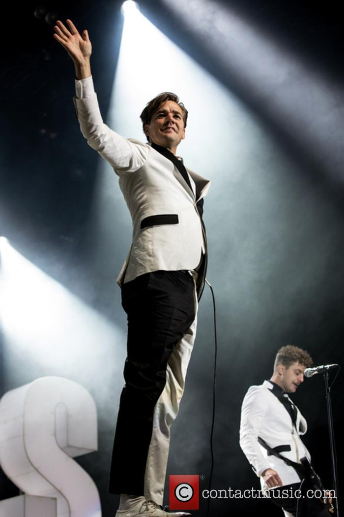 The Hives and Howlin' Pelle Almqvist 6