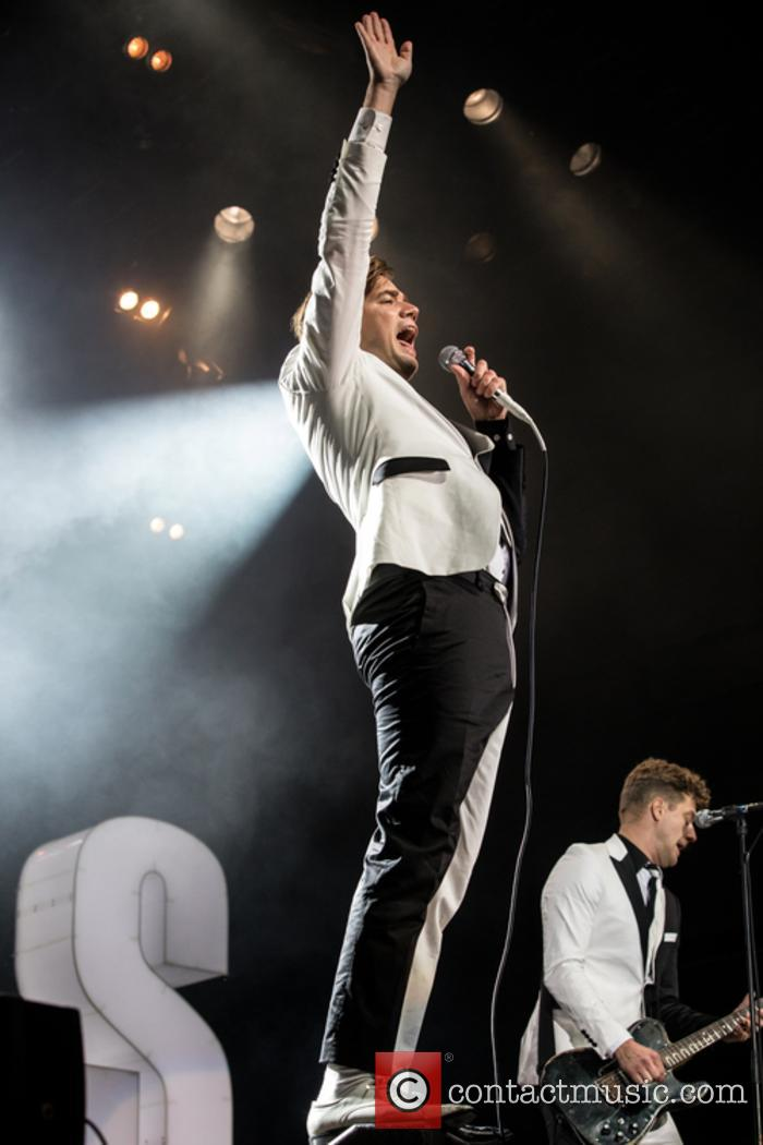 The Hives and Howlin' Pelle Almqvist 9