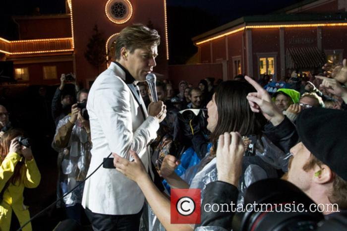 The Hives and Howlin' Pelle Almqvist 10
