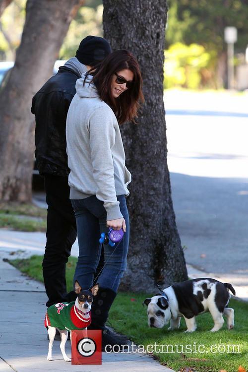 File Photo****  Joe Jonas and Ashley Greene...