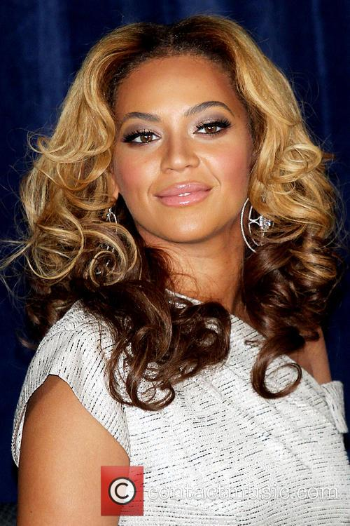 File Photo**  * BEYONCE FUELS BABY RUMOUR...