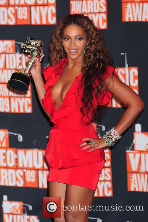 Beyonce Knowles 2009 MTV Video Music Awards (VMA)...