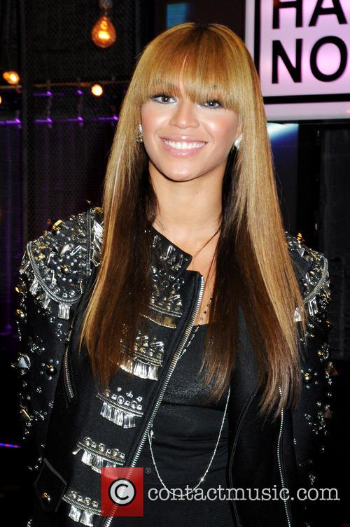 Beyonce Knowles at the 'Hope for Haiti Now:...