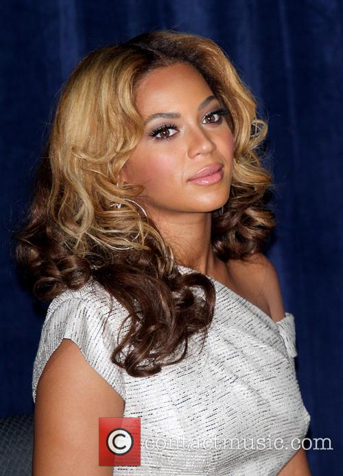Beyonce Knowles Unveiling of the Beyonce Cosmetology Center...