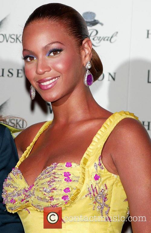 Beyonce, Beyond The Red Carpet, Museum, Television and Radio 1