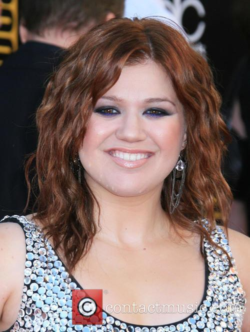 File Photo** * KELLY CLARKSON WEDS Singer KELLY...