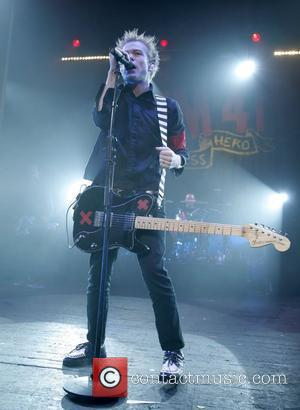 Deryck Whibley's Downfall: What Led Up To His Medical Emergency?