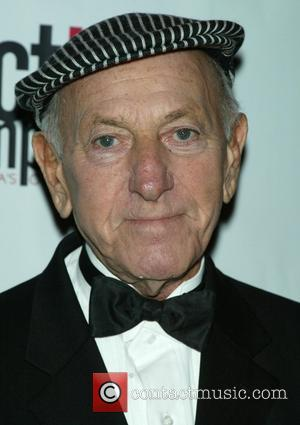 Klugman Sues Tv Bosses For Quincy Cash
